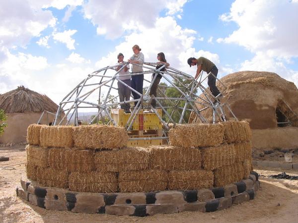 Интервью с Алексом Сисельским, одним из основателей киббуца Лотан в Израиле. Фото с сайта kibbutzlotan.com
