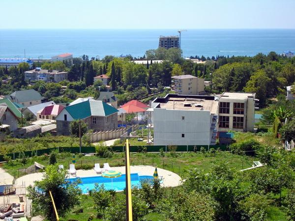 Купить дом в Сочи. Вид с террасы второго этажа. Фото предоставлено рекламодателем