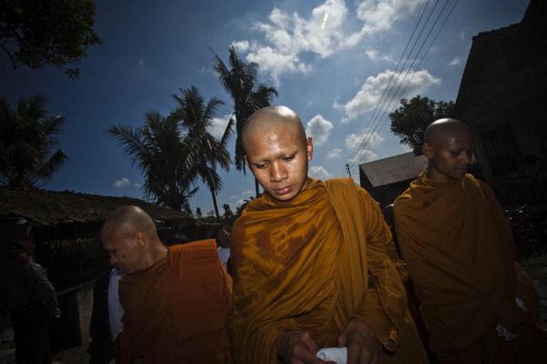 Фоторепортаж из Индонезии с прадникая Весак - дня рождения Будды. Фото: Ulet Ifansasti/Getty Images