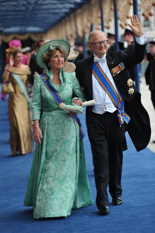 Принцесса Нидерландов Магргиет и ее муж, профессор Питер ван Волленховен на официальной церемонии принятия присяги короля Виллема-Александра в Нидерландах 30 апреля 2013 года. Фото: CARL COURT/AFP/Getty Images
