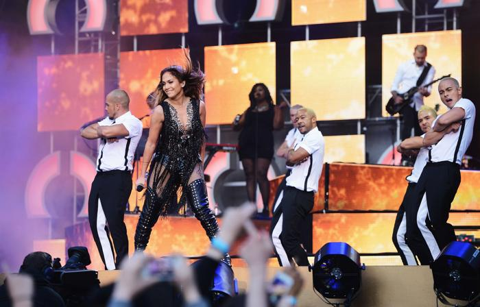 Дженнифер Лопес на концерте в защиту женщин в Лондоне. Фото: Ian Gavan/Getty Images for Gucci