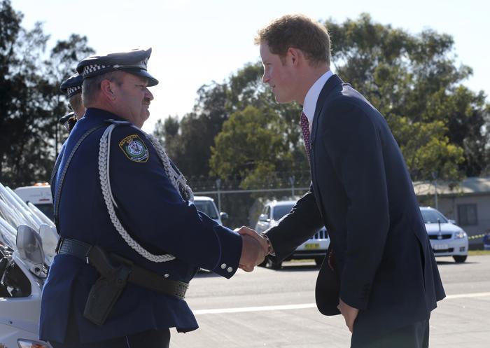 Принц Великобритании Гарри прибыл в Перт 5 октября 2013 года в ходе двухдневного визита в Австралию. Фото: Rob Griffith - Pool/Getty Images