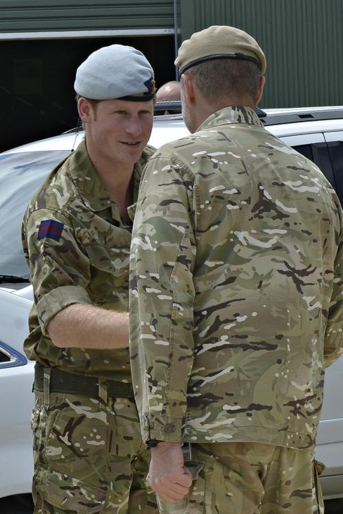 Принц Гарри посетил военные казармы Специального полка воздушной службы (SASR) 5 октября 2013 года в Перте (Австралия). Фото: SOCOMD SASR - Бассейн/Getty Images