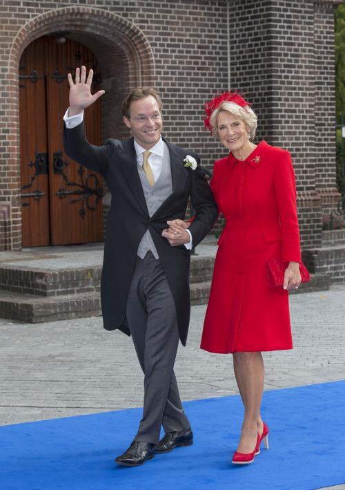 Принц Хайме де Бурбон-Парме и его мать, принцесса Ирэн на свадьбе 5 октября 2013 года в нидерландском городе Апелдорне. Фото: Michel Porro/Getty Images
