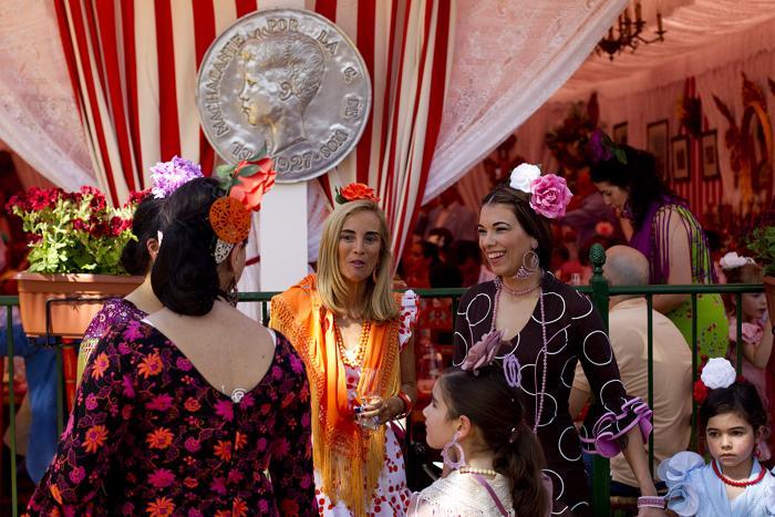 Праздник фламенко начался на апрельской ярмарке в Севилье. Фото: Daniel Perez / Getty Images