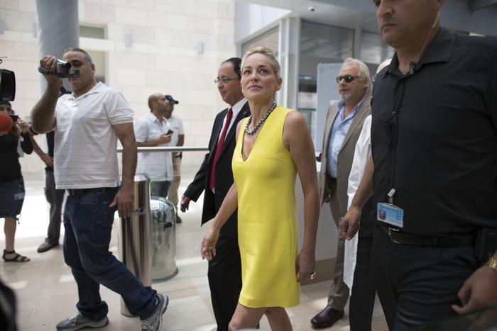 Шарон Стоун приехала в Израиль и посетила детей больницы «Хадасса». Фото: Uriel Sinai/Getty Images