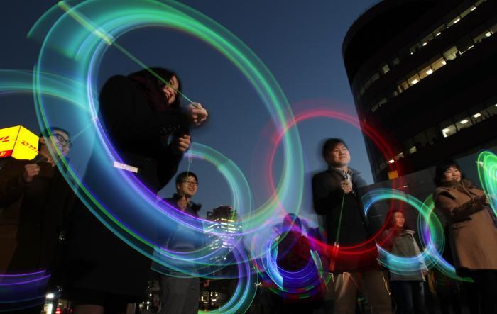 Световое шоу прошло в Южной Корее. Фото: Chung Sung-Jun/Getty Images