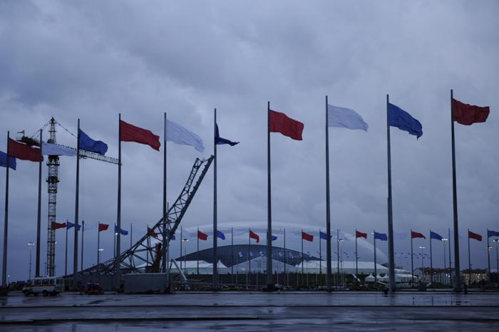 Купол Большого ледового дворца в олимпийском Сочи, 26 сентября 2013 года. Фото: MIKHAIL MORDASOV/AFP/Getty Images