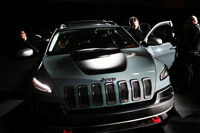 Авто-шоу 2013 стартовало в Нью-Йорке. Фото: Spencer Platt/Getty Images