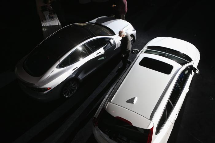 Tesla Model S признан самым экологичным автомобилем 2013 года. Фото: John Moore/Getty Images