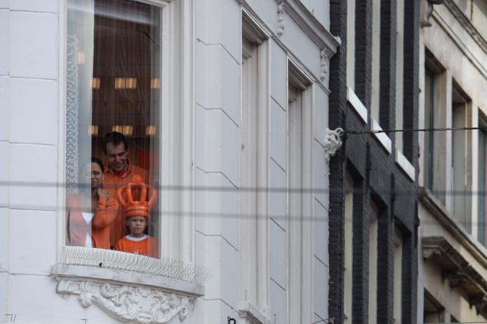 Официальная церемония передачи короны состоялась в Нидерландах. Фото: PATRIK STOLLARZ/AFP/Getty Images
