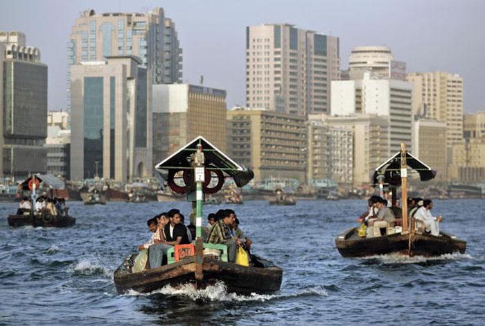 Водный спорт очень развит в Дубаи. Фото: KARIM SAHIB/AFP/Getty Images