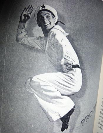 Динамичная роль советского моряка полюбилась знаменитому американскому танцовщику и запомнилась ему на всю жизнь. Фото из архива Ф.Франклина, предоставлено Кириллом Новосельским