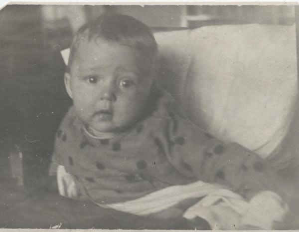 Алеша Бабицкий, первый привезеннй в Алжир ребенок. Фото предоставлено Евгенией Головня