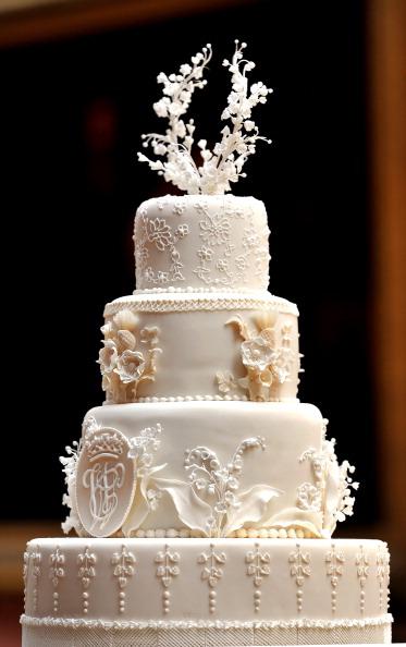 Свадебный торт для новобрачных Кейт и Уильяма. Фото: John Stillwell-WPA Pool/Getty Images