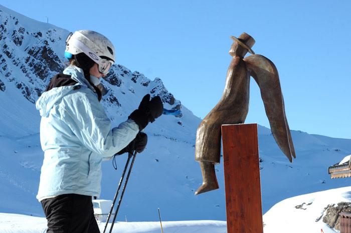 В нынешнее время все больше людей предпочитают горнолыжный туризм. Фото: JEAN-PIERRE CLATOT/AFP/Getty Images
