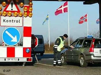 Контроль на датско-немецкой границе в прошлом. Фото с сайта dw-world.de