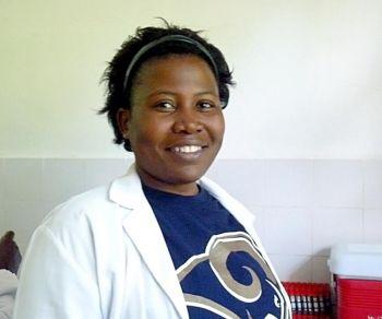 Игогва, Танзания Джойс Сока, 30 лет, лаборантка.