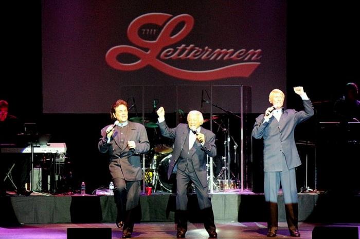 Lettermen выступил в величественном Majestic Theatre Геттисберга. «Песни о любви никогда не выходят из моды», — сказал аплодирующей публике Тони Бутала, один из основателей подлинного Lettermen. Фото: Myriam Moran copyright 2013