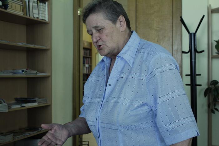 Карина Сундукова после показа делится впечатлениями от фильма. Фото: Юлия Карпова/Великая Эпоха (The Epoch Times)