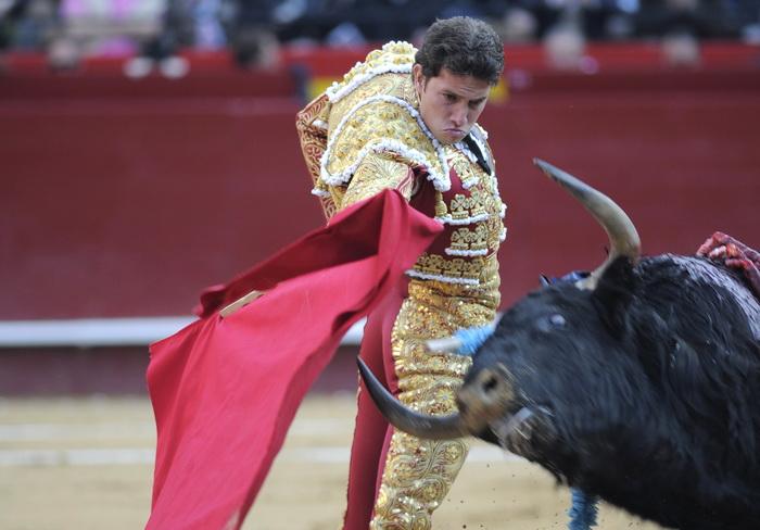 Июльская ярмарка началась в Валенсии. Фото: JOSE JORDAN/AFP/Getty Images
