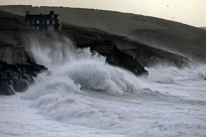 На Великобританию обрушился шторм. Фото: Matt Cardy/Getty Images
