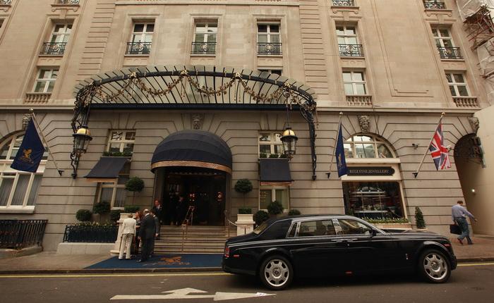Отель Ritz в Лондоне предлогает гостям посетить Букингемский дворец. Фото: Peter Macdiarmid/Getty Images
