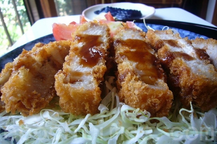 Хрустящий свиной стейк по-японски. Фото с epochtimes.com