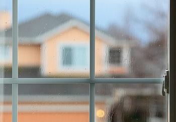 Причины запотевания пластиковых окон. Фото: angeloangelo/flickr.com