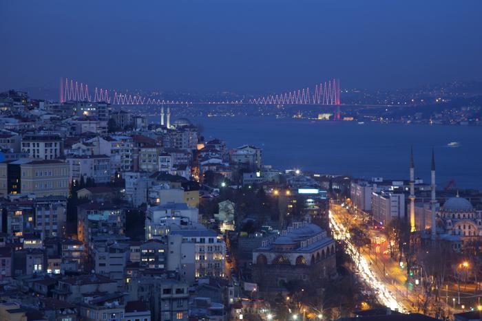 Стамбул — город, являющийся культурным, экономическим и финансовым сердцем Турции, в пятый раз делает попытку провести Олимпийские игры. Фото: Dan Kitwood/Getty Images