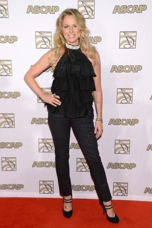 Певица Дина Картер на 51-й церемонии награждения лучших исполнителей музыки кантри премией ASCAP в Нэшвилле 4 ноября 2013 года. Фото: Michael Loccisano / Getty Images