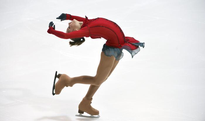Юлия Липницкая выиграла первое место на турнире по фигурному катанию в Финляндии 6 октября 2013 года. Фото: KIMMO MANTYLA/AFP/Getty Images