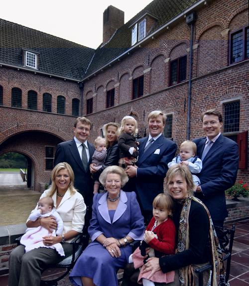 Королевская семья Нидерландов 24 декабря 2005 года. Фото:RVD via Getty Images