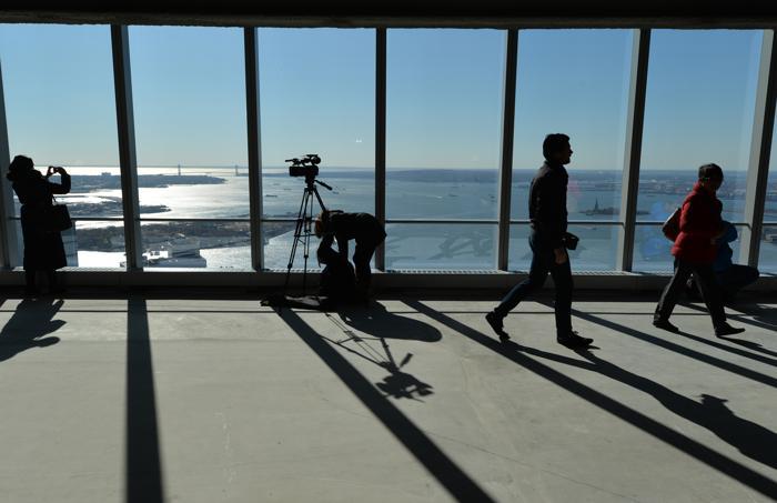 В Нью-Йорке 13 октября 2013 года прошло торжественное открытие первой башни Всемирного торгового центра (ВТЦ) под номером 4. Фото: STAN HONDA / AFP / Getty Images