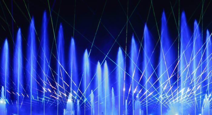 Репетиция шоу «Акванарио» (Aquanario) прошла 14 августа 2013 года, за 2 недели до его старта в Берлине (Германия). Фото: Andreas Rentz/Getty Images