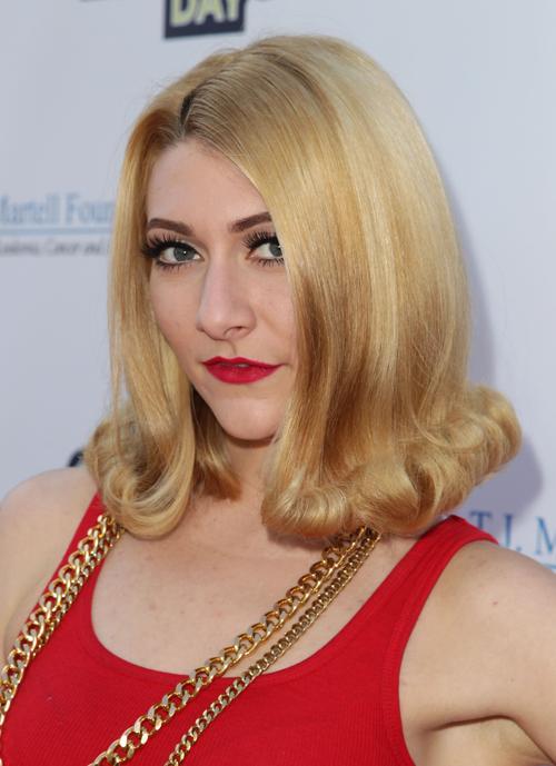 Певица Эми Хэйдмен. Знаменитости продемонстрировали модные причёски, стрижки и укладки на самых ярких светских мероприятиях ноября 2013 года. Фото: David Buchan/Getty Images for T.J. Martell Foundation