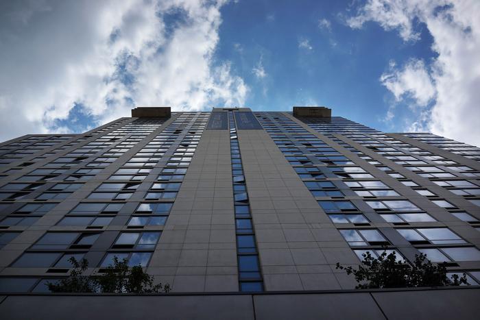 Новое здание в деловом квартале Нью-Йорка Манхеттене, 16 августа 2013 года. Фото: Spencer Platt/Getty Images
