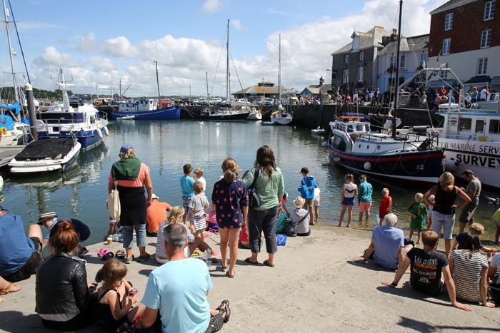 Рыболовецкий город Падстоу в графстве Корнуолл в этом сезоне стал одним из самых популярных мест отдыха Великобритании. 19 августа 2013 года. Фото: Matt Cardy/Getty Images