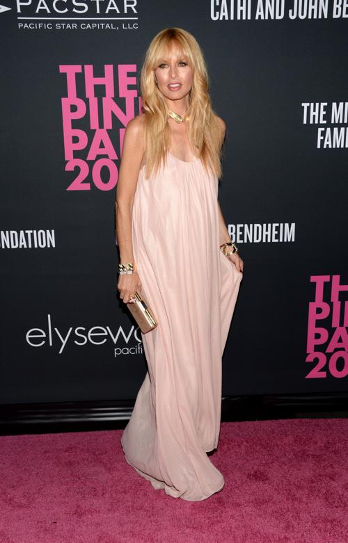 Стилист Рэйчел Зое на благотворительном вечере моды Pink Party в поддержку борьбы с «женским» раком 19 октября 2013 года в Санта-Монике (Калифорния, США). Фото: Jason Kempin/Getty Images for Cedars-Sinai Womens Cancer Program