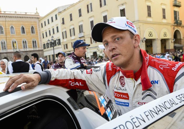 Финский водитель Микко Хирвонен в квалификации Ралли Италии 20 июня 2013 года. Фото: ANDREAS SOLARO/AFP/Getty Images