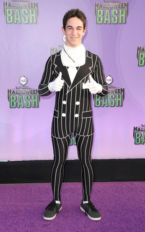 Актёр Захари Гордон прибыл 20 октября 2013 года в Санта-Монику на церемонию открытия новой награды «Джеки» за лучший костюм на Хэллоуин. Фото: Frederick M. Brown/Getty Images