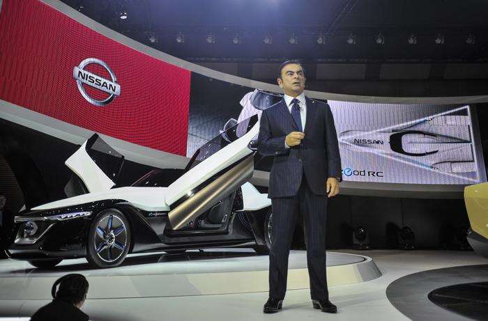 Компания Nissan представила Blade Glider на открывшемся 20 ноября 2013 года автосалоне в Токио. Фото: Keith Tsuji/Getty Images
