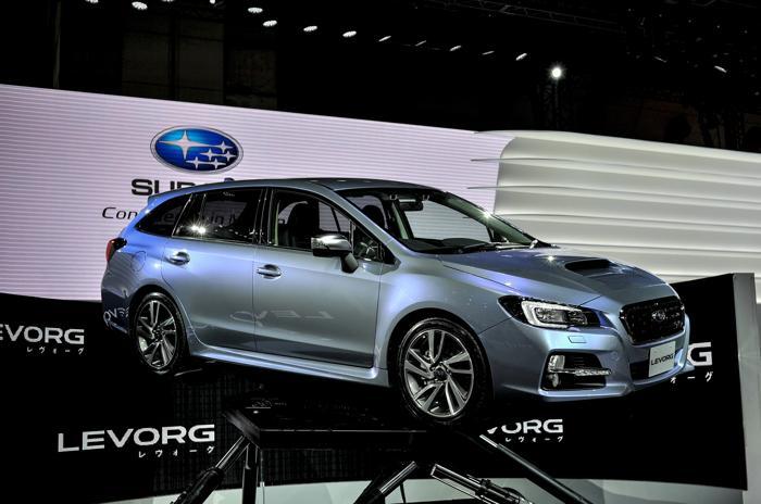 Subaru представил универсал Levorg Touring Wagon на открывшемся 20 ноября 2013 года автосалоне в Токио. Фото: Keith Tsuji/Getty Images