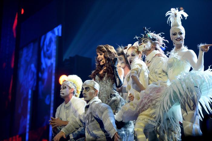 Лесли Грейс выступила на церемонии вручения наград «Латинская Грэмми» 21 ноября 2013 года в Лас-Вегасе (США). Фото: Ethan Miller / Getty Images для LARAS