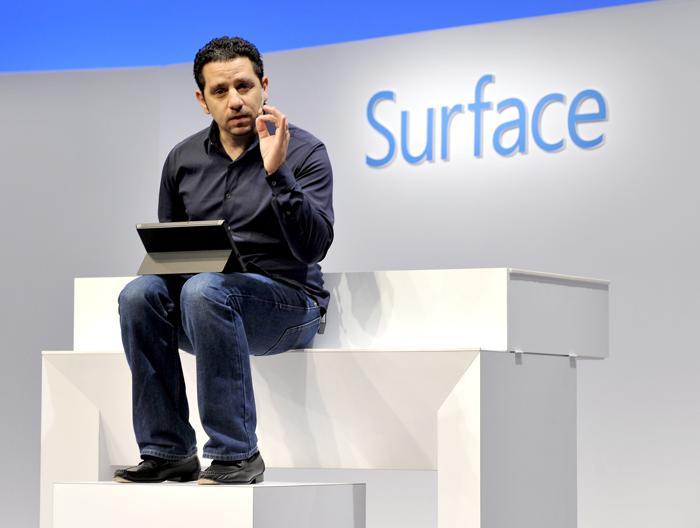 Презентацию второго поколения планшетов провёл в Нью-Йорке Панос Панай, вице-президент корпорации Microsoft по устройствам Surface, 23 сентября 2013 года. Фото: TIMOTHY CLARY/AFP/Getty Images