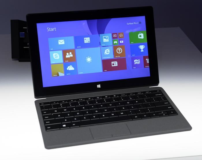 Презентация второго поколения устройств Microsoft Surface в Нью-Йорке 23 сентября 2013 года. Фото: TIMOTHY CLARY/AFP/Getty Images