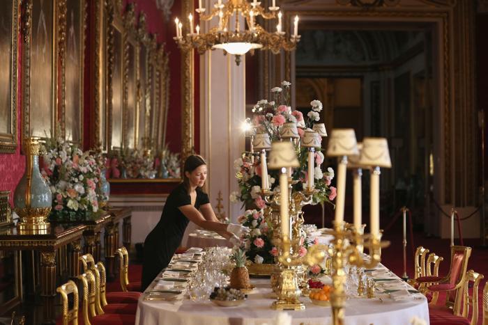 Выставка в честь празднования 60-летнего юбилея со дня коронации Елизаветы II «Королевская коронация 1953» открылась в Букингемском дворце в Лондоне 25 июля 2013 года. Фото: Oli Scarff/Getty Images
