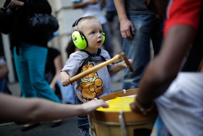 Второй по величине уличный карнавал мира после Рио-де-Жанейро «Ноттинг-Хилл» стартовал в столице Великобритании в одноимённом районе 25 августа 2013 года. Фото: Matthew Lloyd/Getty Images