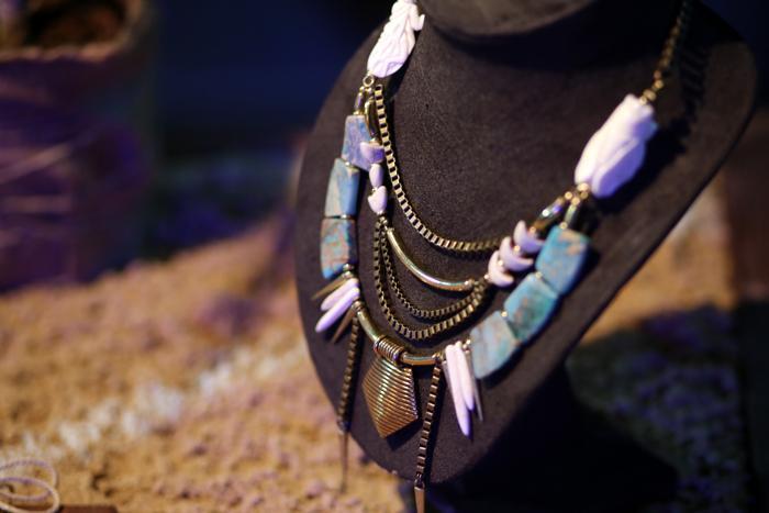 Сёстры Кирьяновы Марина и Ирина, создательницы бренда бижутерии Rainbow Seekers, презентовали коллекцию украшений 2014 на российской Неделе моды 27 октября 2013 года в выставочном центре «Манеж». Фото: Kristina Nikishina/Getty Images for Mercedes-Benz Fashion Week Russia