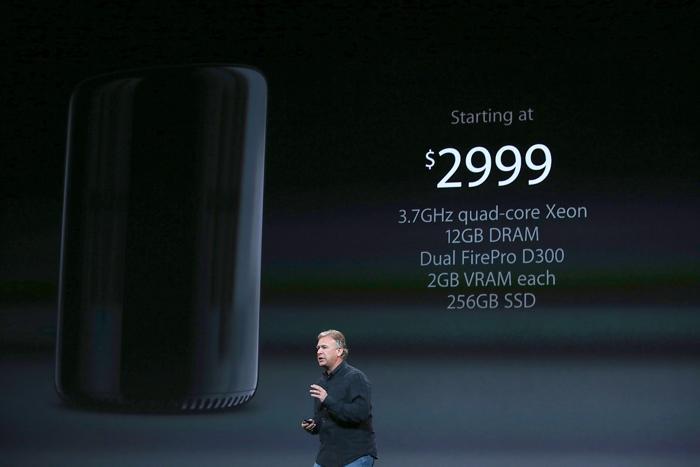 Фил Шиллер обозначил цены на новые Mac Pro, которые стартуют от 2999 долларов. Фото: Justin Sullivan/Getty Images